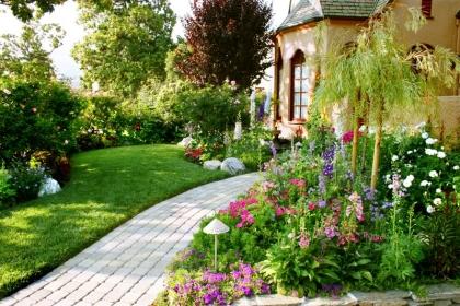 How to Design an English Garden ?